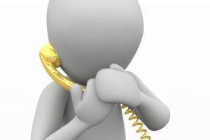 illustration d'une personne qui répond au téléphone