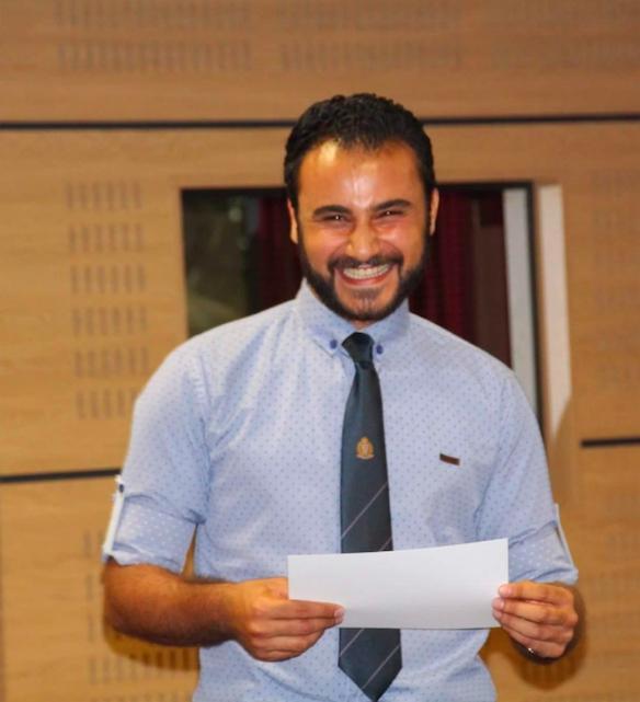 photo de Ghais-Victor Hadifi recevant le prix CCEF